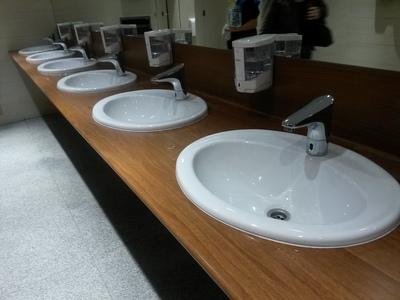 Столешницы Hpl гнутые для санузлов общественных интерьеров,  столы hpl - main