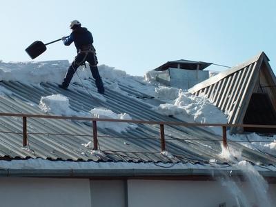 Очистка крыши от снега и наледи - main