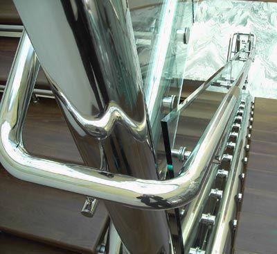 Металлоконструкции из нержавеющей стали и стекла - main